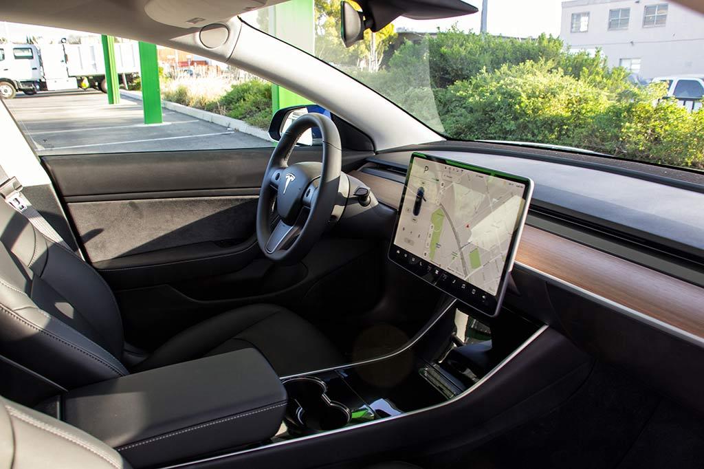 fka - Tesla Model 3